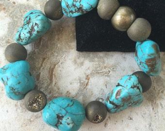 Turquoise Magnesite and druzy stretch bracelet - 20mm magnesite beads and 10mm druzy beads
