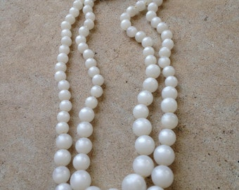 Pearlized Resin Beaded Necklace