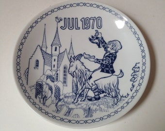 Vintage BYGDO Denmark July 1970 Hans Christian Andersen Clumsy Hans Decorative Plate