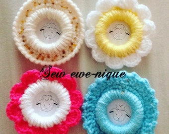 Small crochet photo frame