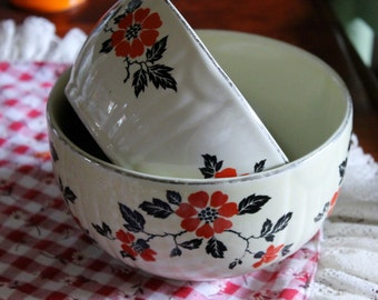 Vintage Hall's superior Quality Kitchenware, Red Poppy mixing bowls made in USA