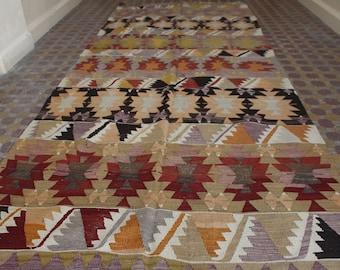 Kilim rug - 1960th handwoven traditional turkish kilim rug