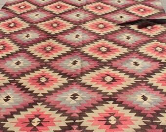 Pink vintage turkish kilim rug - 9 x 7 ft