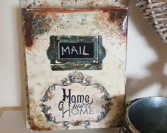 vintage looking mail box