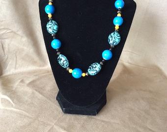 Vintage-looking unique necklace