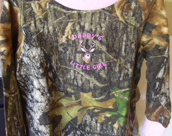 camouflage/pink long sleeve t-shirt