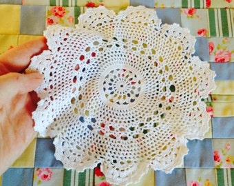 Vintage Irish lace doily, Retro crochet Irish lace doily, Beautiful detail lace doily