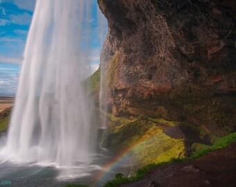 Seljalandsfoss — Waterfall in Iceland