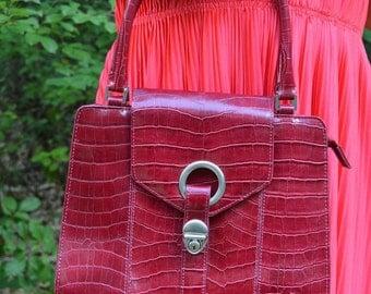 Burgundy handbag vintage style trunk