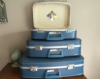 Absolutely pristine 1960's luggage set Mid Century Modern