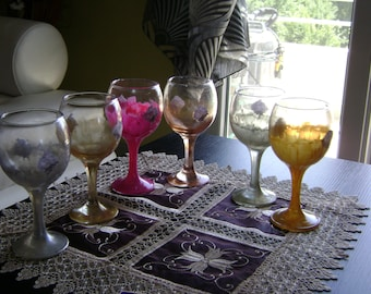 6 wine serving GLASSES