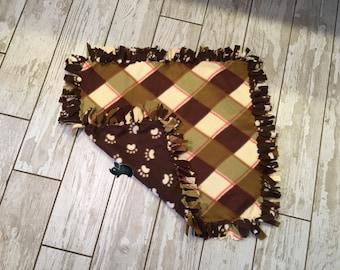 15 x 22 Hand Tied Green Plaid/Paw Print Fleece Pet Blanket