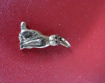 9ct gold cat pendant