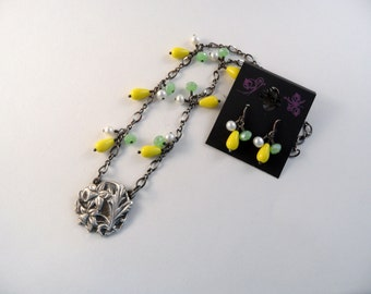 Daffodil Necklace/Earrings
