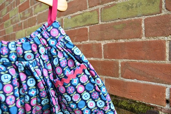 Swing skirt, blue and pink circle print, age 4- 5