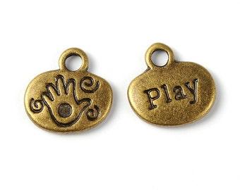 "13mm Charm ""Play"" x10"