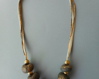 Ethnic necklace gold and bronze