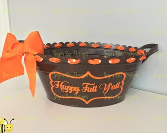 Personalized Scalloped Oval Metal Bucket // Tub // Back to School // Thanksgiving // Fall // Halloween // Ice Bucket // Gift Basket