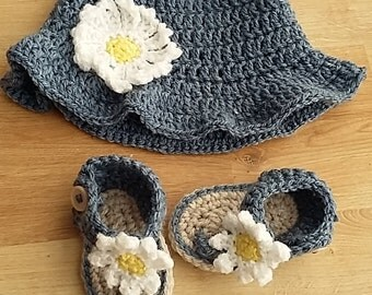 crochet sunhat and sandals