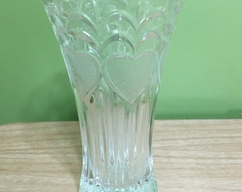"""7"""" crystal vase with hearts and scallops"""