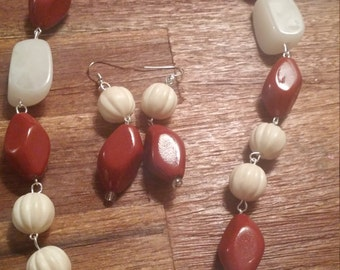 Gorgeous Cream and burnt red necklace set