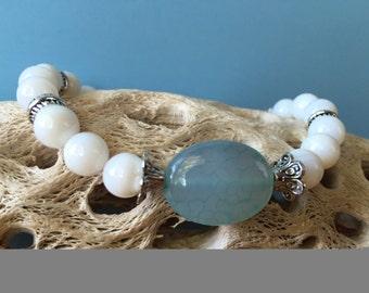 Beaded Stretch Bracelet, Shell Bracelet, Beach Bracelet, Beach Jewelry, Boho Bracelet, Stretch Bracelet, Stacking Bracelet, Gift