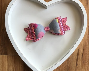 Large Love heart bow