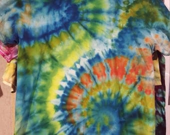 Adult Medium T-Shirt   5.4oz Gildan Ultra 100% Cotton    Trippy Tie Dyes   Pcychedelic EyeBleeders   Dead Rags T-Shirts