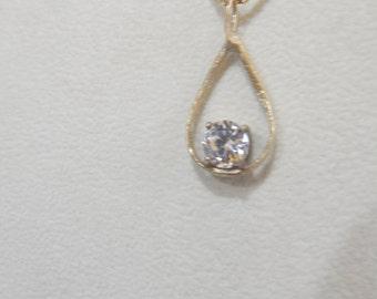 Pendant of Sapphire white
