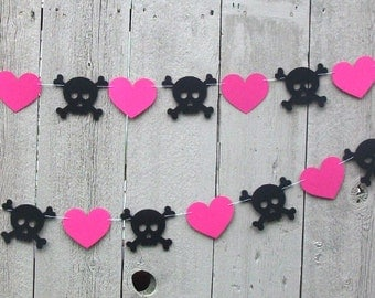 Skull and heart garland, Monster high theme, Monster high decorations, Black and Hot Pink, Black Skull, Girl Pirate, Pirate party