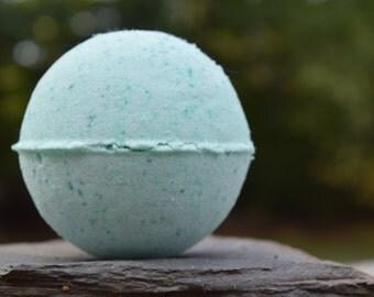 Spearmint and Eucalyptus Bath Bomb