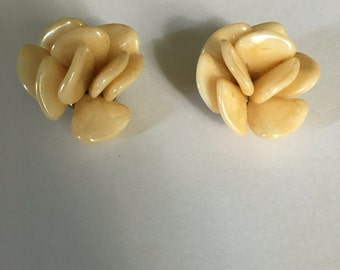 Vintage pearl shell clip on earrings made in Austria