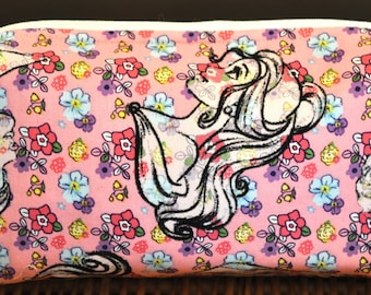 Medium Princess cosmetics bag