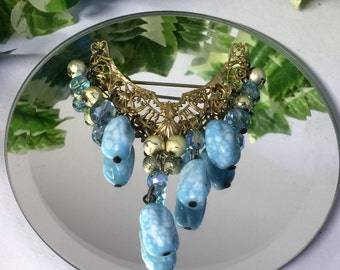 A Beautiful Vintage Gold Tone Brooch with Dangling Blue Stones and beads