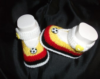 knitted baby shoes, baby shoes, baby socks, Babybooties * football *.
