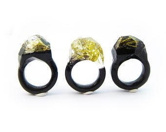 Lichen Moss Terrarium Resin Ring • Size 5.5 • Eco Resin Ring • Asymmetrical Unusual Ring • Resin Terrarium Ring • Nature Resin Ring • 3B