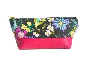 Leather Toiletry Bag for Women, Small Makeup Bag, Leather Zipper Pouch, Travel Cosmetic Bag, Beauty Bag, Black Leather Pouch