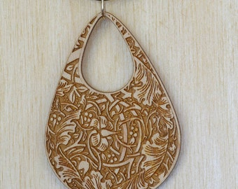 Victorian Maple Wood Necklace
