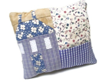 Saltbox house patchwork pincushion, lavender, blue, beige, white, sewing accessory, sewing caddy, pins and needle storage, pincushion