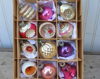 Christmas Ornaments - Indents - Diorama - 12 - Royal Hill Vintage
