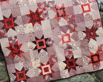 PDF QUILT PATTERN.... Fat Quarter Friendly Star Quilt, Reach for the Stars