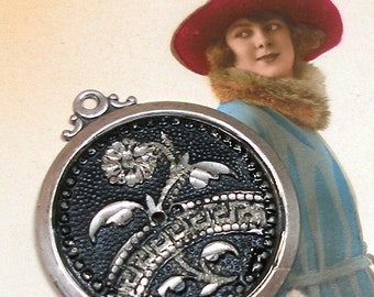 1800s Antique BUTTON pendant, Victorian flower in silver. One-of-a-kind jewellery.
