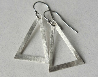 Sterling Silver Triangle Earrings, Dangle Earrings, Hammered Geometric Earrings, Minimal Jewelry, Modern Earrings, Geometric Jewelry