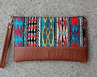 Southwestern tribal Clutch