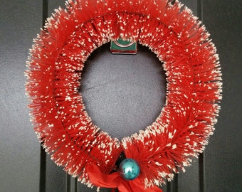 Vintage Small Red Bottle Brush Christmas Door Wreath 9.5 inches wide Holiday Wreath
