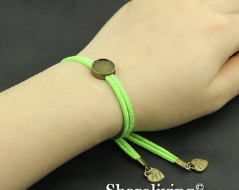 20% OFF SALE - 4pcs Adjustable Bangle Bracelet With 12mm Round Bronze Cameo Setting (Green) -- RI867G