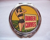 pin up girl compact retro Fifties vintage rockabilly purse mirror kitsch