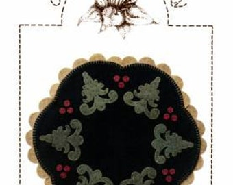 Primitive Folk Art Wool Applique Pattern - Oh Christmas Tree - Christmas Trees Berries - Lily Anna Stitches