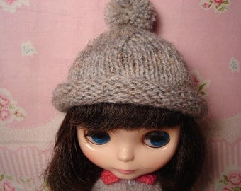 Blythe and Pullip Wool Blend Gray with Flecks Hat Cap