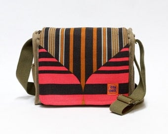 Mare - retro canvas saddlebag upcycled with original vintage fabric.